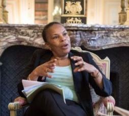 Lisez Justice : Christiane Taubira veut autoriser les «class actions»