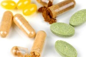 Dangers Lurking in Supplements Prove Need for Oversight