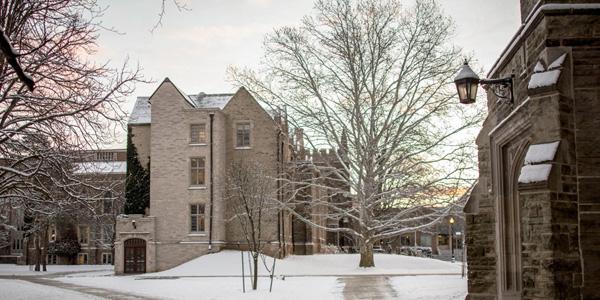 Mc Master University campus image