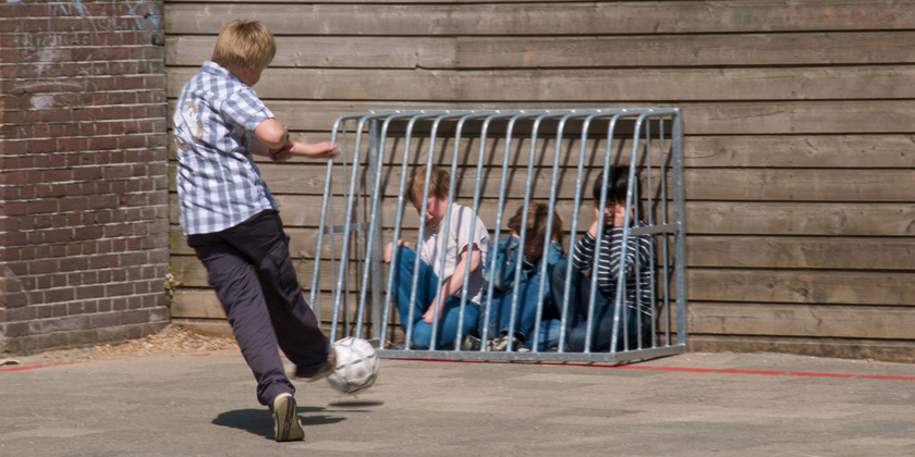 Bullied children, anxiety, anti-depressants and the risk of medicalisingchildhood